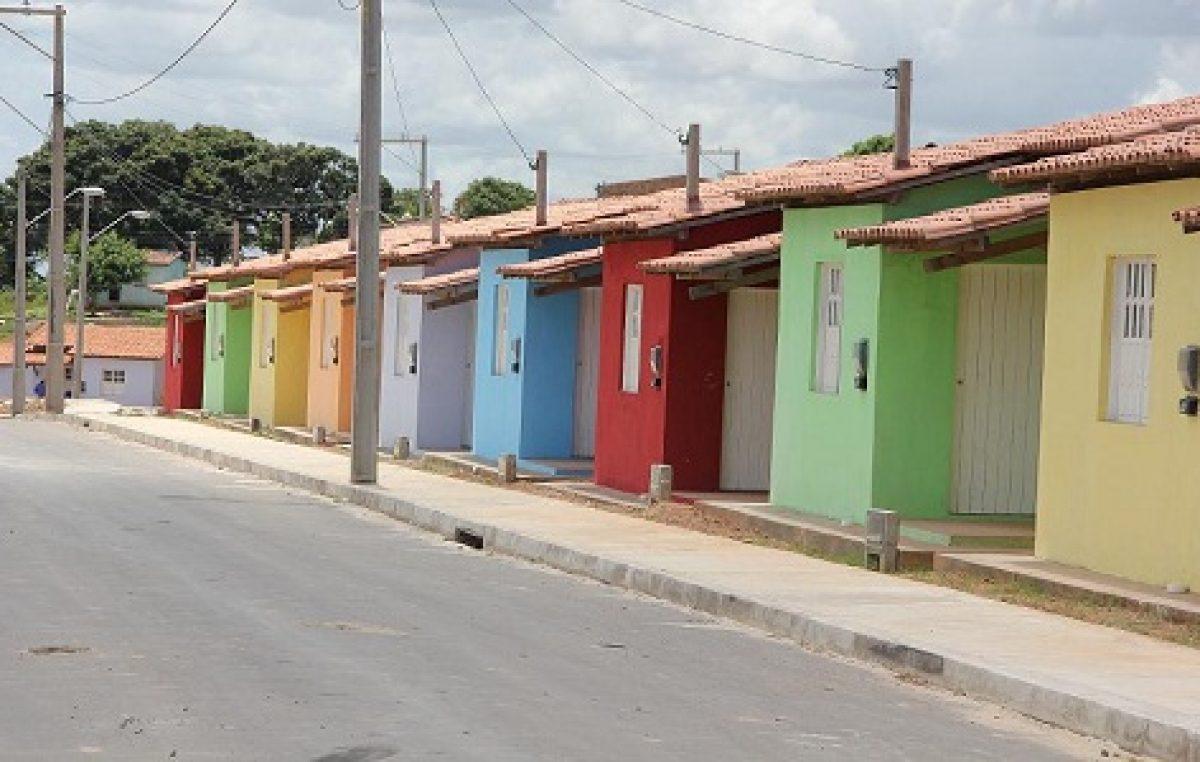 Prefeitura entrega a população o Conjunto Habitacional Berenice Peralva, no Gurujé