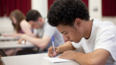 Pré-vestibular convoca alunos para aula inaugural