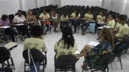 Profissionais de saúde e estudantes da UFRB se reúnem para discutir racismo institucional