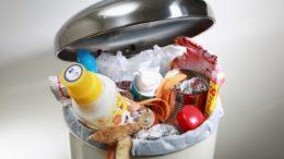 Moradores devem estar atentos a programação da coleta de lixo no município