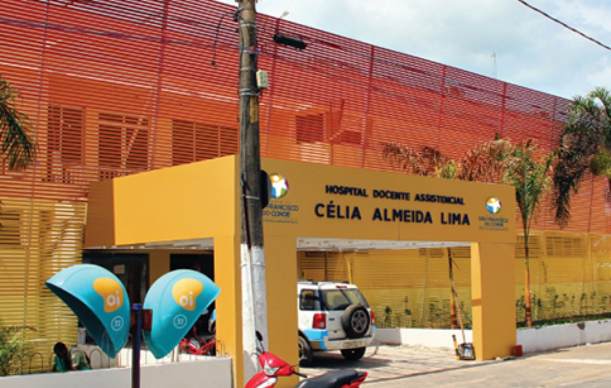 Hospital Célia Almeida Lima capacita funcionários