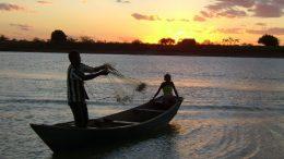 Pescadores e marisqueiras podem se inscrever para participar gratuitamente dos cursos