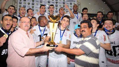 Entrega de troféus e medalhas fecha a XXXI Taça Brasil Correios de Futsal Masculino Sub- 20