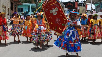 Tradicional Caruru do Lindroamor reúne sanfranciscanos no Largo da Cubamba