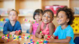 Brinquedos do Dia das Crianças serão distribuídos ainda este mês