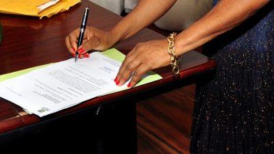 Prefeitura assina protocolo de intenções para instalação de empresa no município