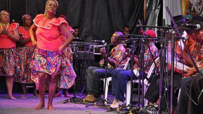 Grupos culturais se apresentam na segunda noite do Festival de Samba do Recôncavo
