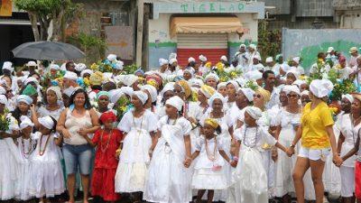 Belo cortejo marcou a Lavagem da Igreja da Conceição da Praia neste domingo (01)
