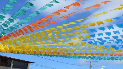 Ruas começam a ser decoradas e clima de São João toma conta de São Francisco do Conde