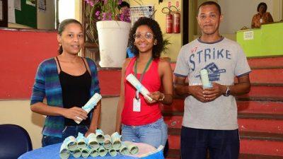 Secretaria de Turismo certifica alunos dos cursos de Inglês e de Francês