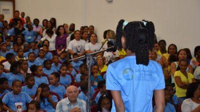 Quatro alunos são consagrados campeões do Soletra Chico 2014
