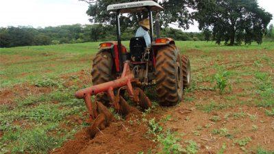 Agricultores do município participam de curso gratuito de Tratorista