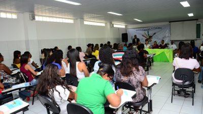 Seminário de Assistência Social lotou auditório do Pré-Vestibular nesta manhã
