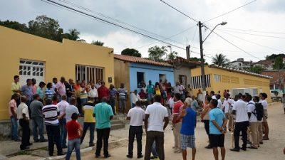 Pescadores e marisqueiras de Engenho de Baixo receberam nova Casa do Pescador