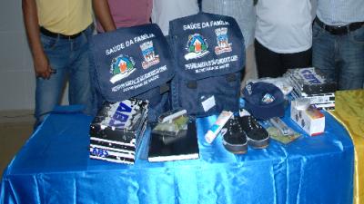 Agentes Comunitários de Saúde receberam kits com fardamento e equipamento