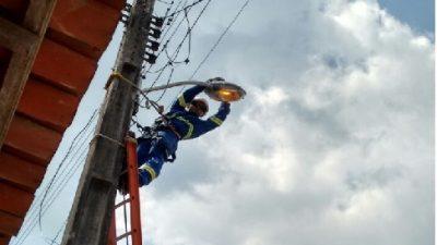 SESP e SEINF realizam a modernização da iluminação pública da Ilha do Paty