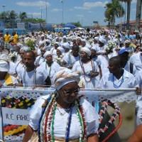 A beleza do cortejo com centenas de baianas marcou a Lavagem de Nossa Senhora da Conceição da Praia