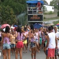 Irreverência de travestidos protagonizou os Festejos de Engenho de Baixo
