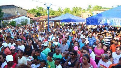 Prefeitura entregou a Praça Cleuza Maria Luzia da Silva à comunidade do Drena, no último sábado (12)