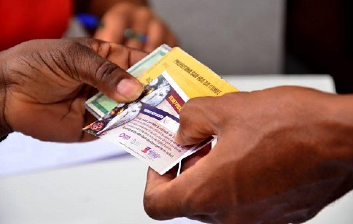 É TRABALHO: Prefeitura segue com a entrega dos tickets da Semana Santa