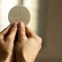 Missa e procissão pelo dia de Corpus Christi