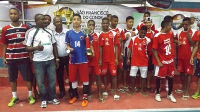 Deu Santa Cruz na grande final do Campeonato Municipal de Futsal 2016