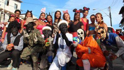Último dia de carnaval reuniu foliões por toda Orla Marítima de São Francisco do Conde