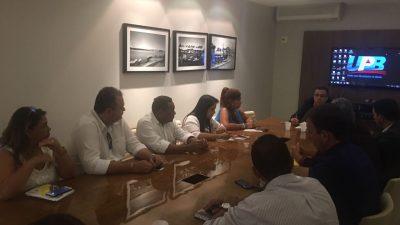Consórcio responsável pelo acompanhamento das obras e gestão da Policlínica da Região Metropolitana de Salvador se reuniu na UPB