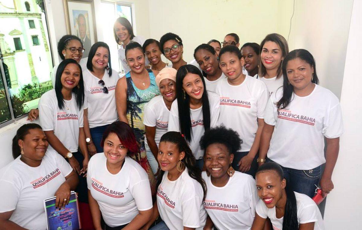 Estudantes do Qualifica Bahia estiveram na SECOM para conhecer a rotina da Comunicação