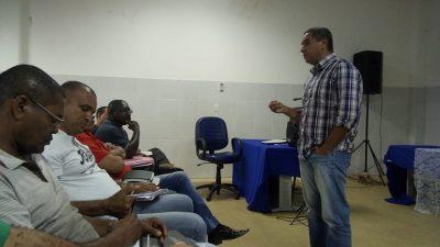 Encontro entre taxistas e SESCOP tratou da regulamentação da categoria no município