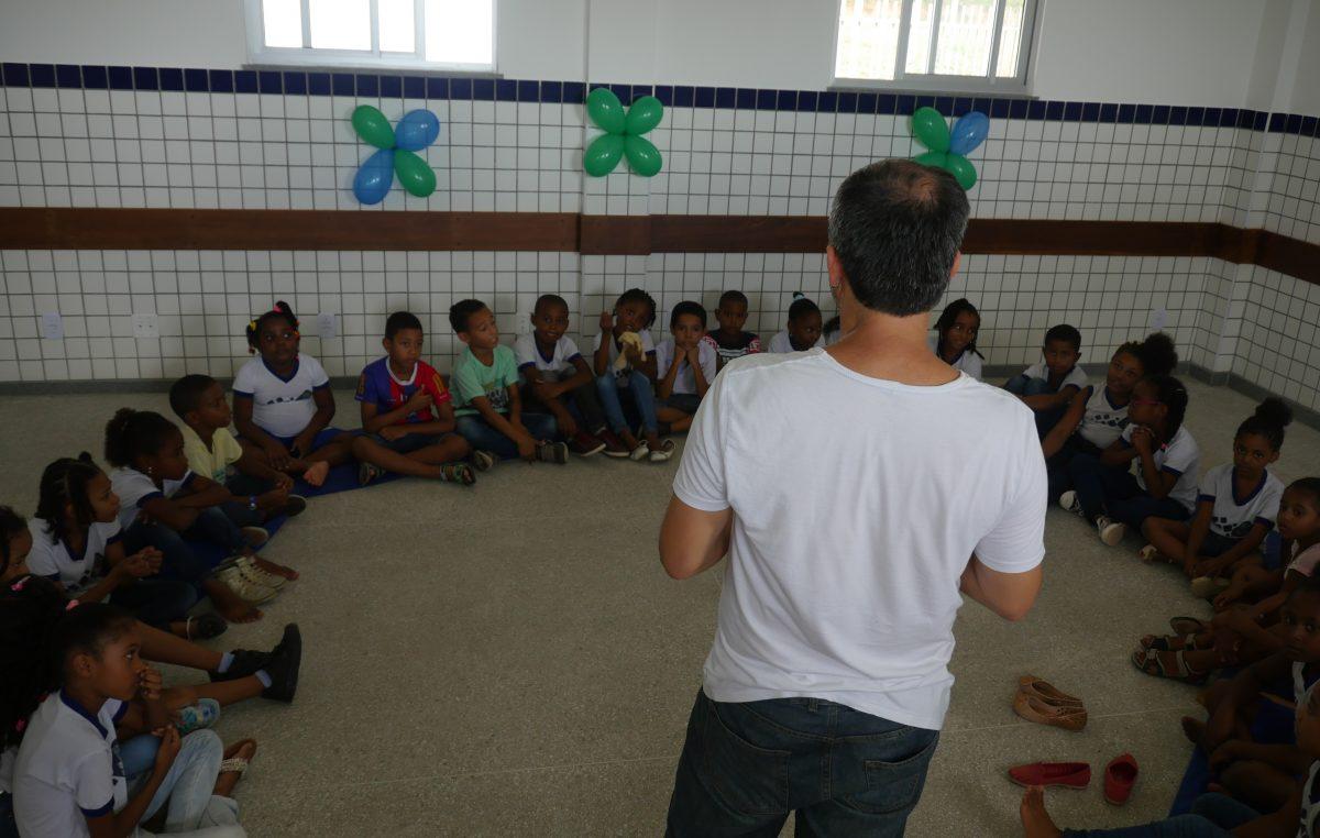 Sessões de Leituras Simultâneas acontecem nas escolas municipais