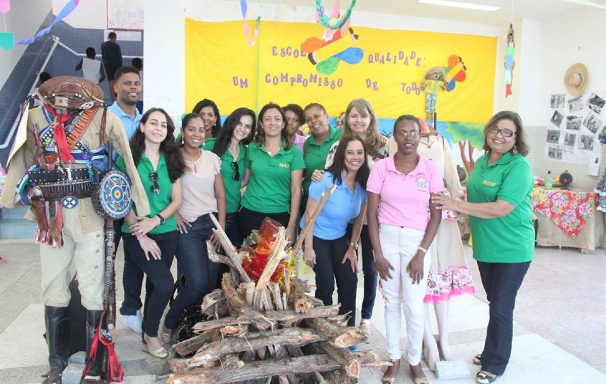 """Projeto """"Arraiá do Vem Cá"""", da escola Arlete Magalhães, está realizando Exposição do Cangaço"""
