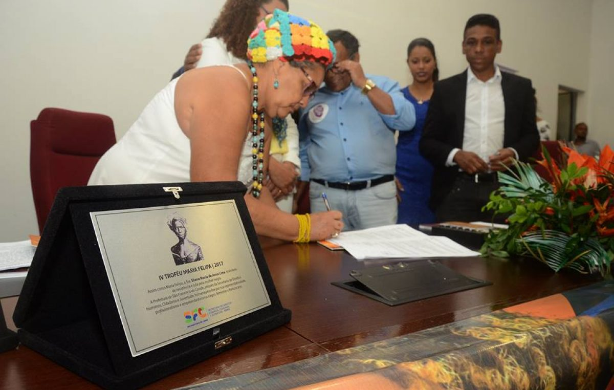 Público lotou plenário da Câmara para participar do Dia da Mulher Negra Latino-Americana e Caribenha