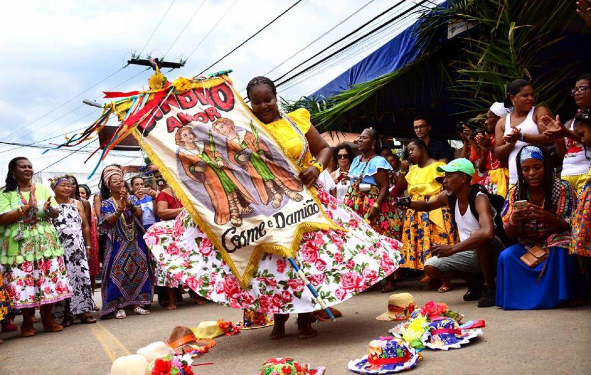 Tradição do Lindroamor Axé marcou presença no Largo da Cubamba