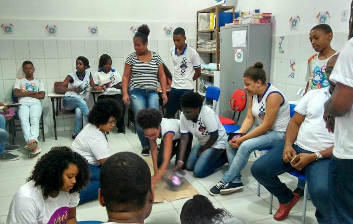 Oficina para alunos do Educa Chico debateu as diversas formas de violência sofrida pela mulher