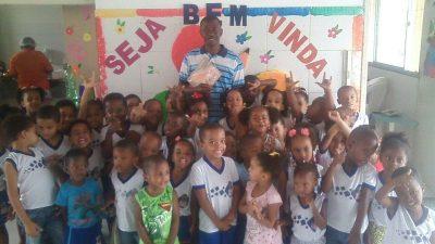 Projeto Voluntários da Leitura é realizado em escola do Monte