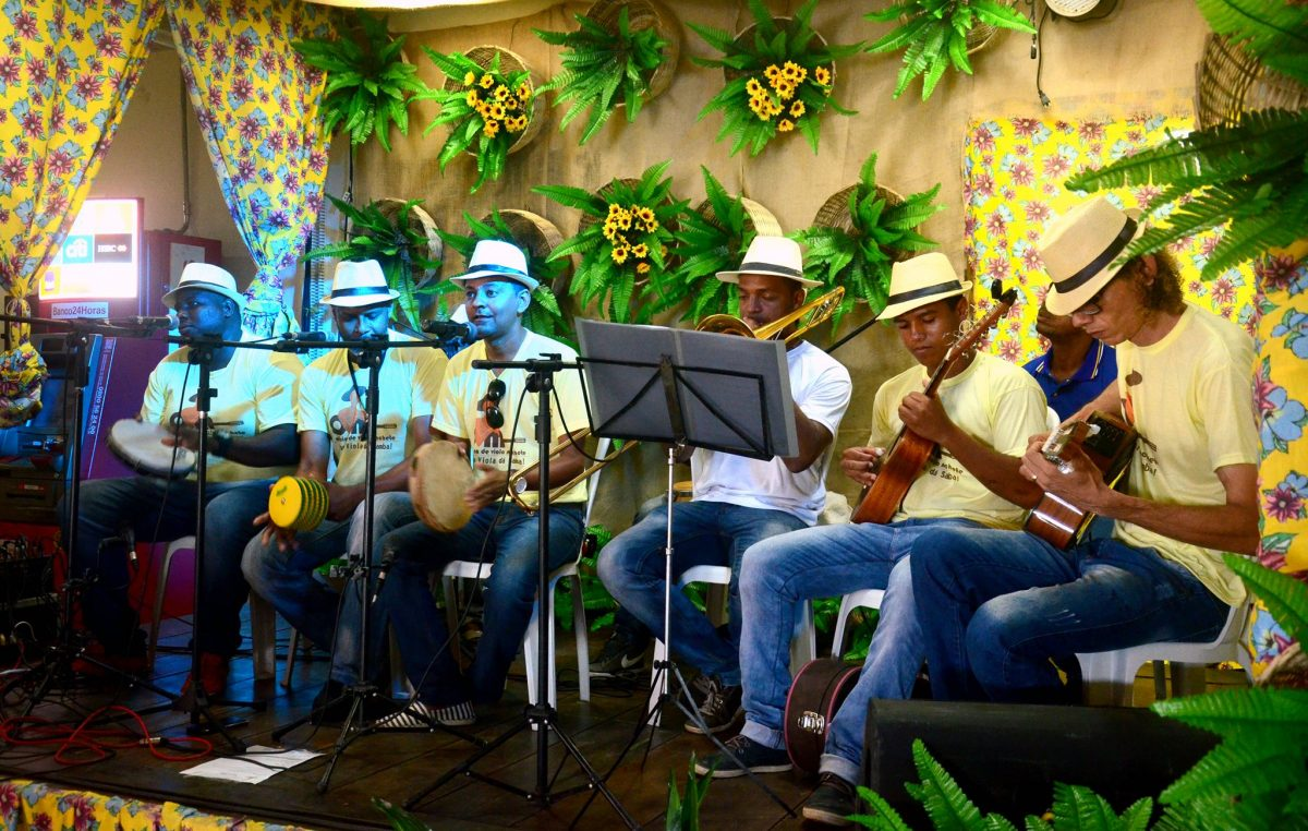 Terceiro dia do V Festival de Samba de Roda do Recôncavo aconteceu no bairro de Jabequara da Areia
