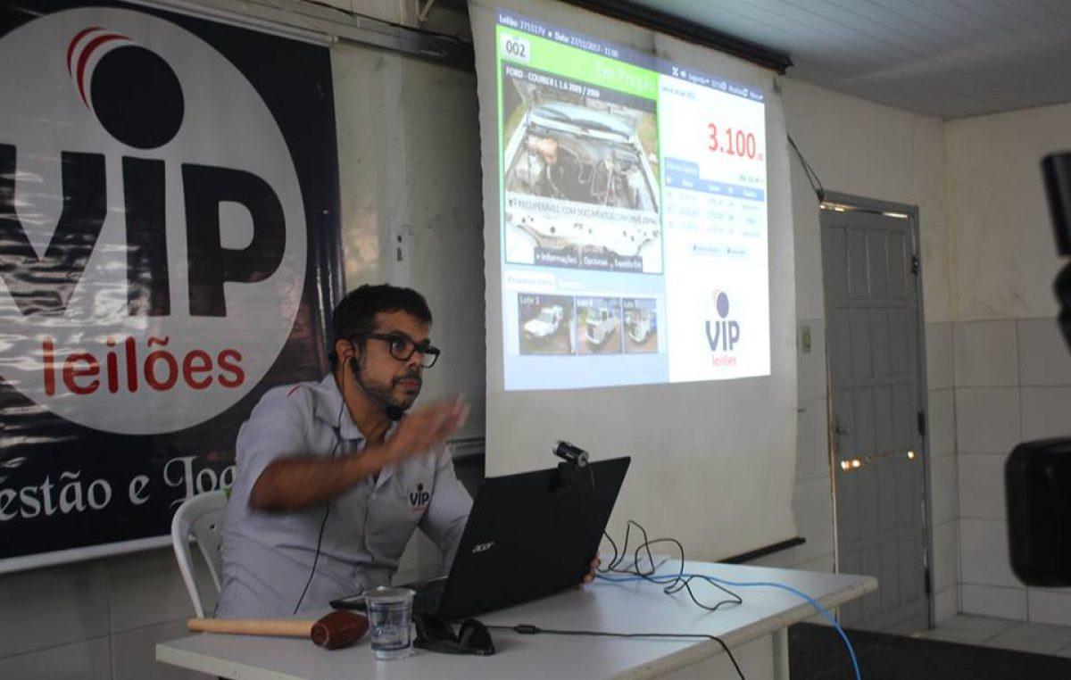 Prefeitura promoveu leilão de veículos, sucatas, máquinas e equipamentos