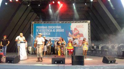 Na Concha Acústica do Teatro Castro Alves, estudantes da Rede Municipal de Ensino de São Francisco do Conde são formados pelo PROERD