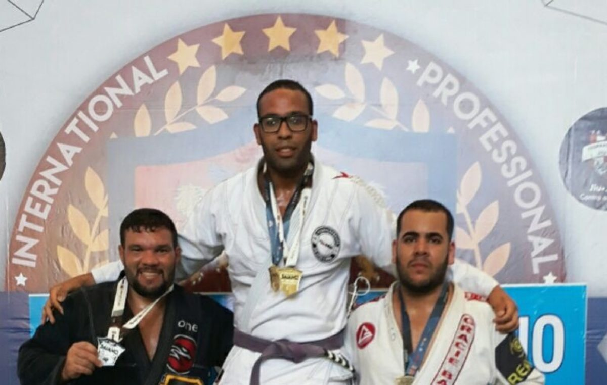 Atleta Franciscano é campeão baiano profissional de Jiu-Jitsu pela FBJJ