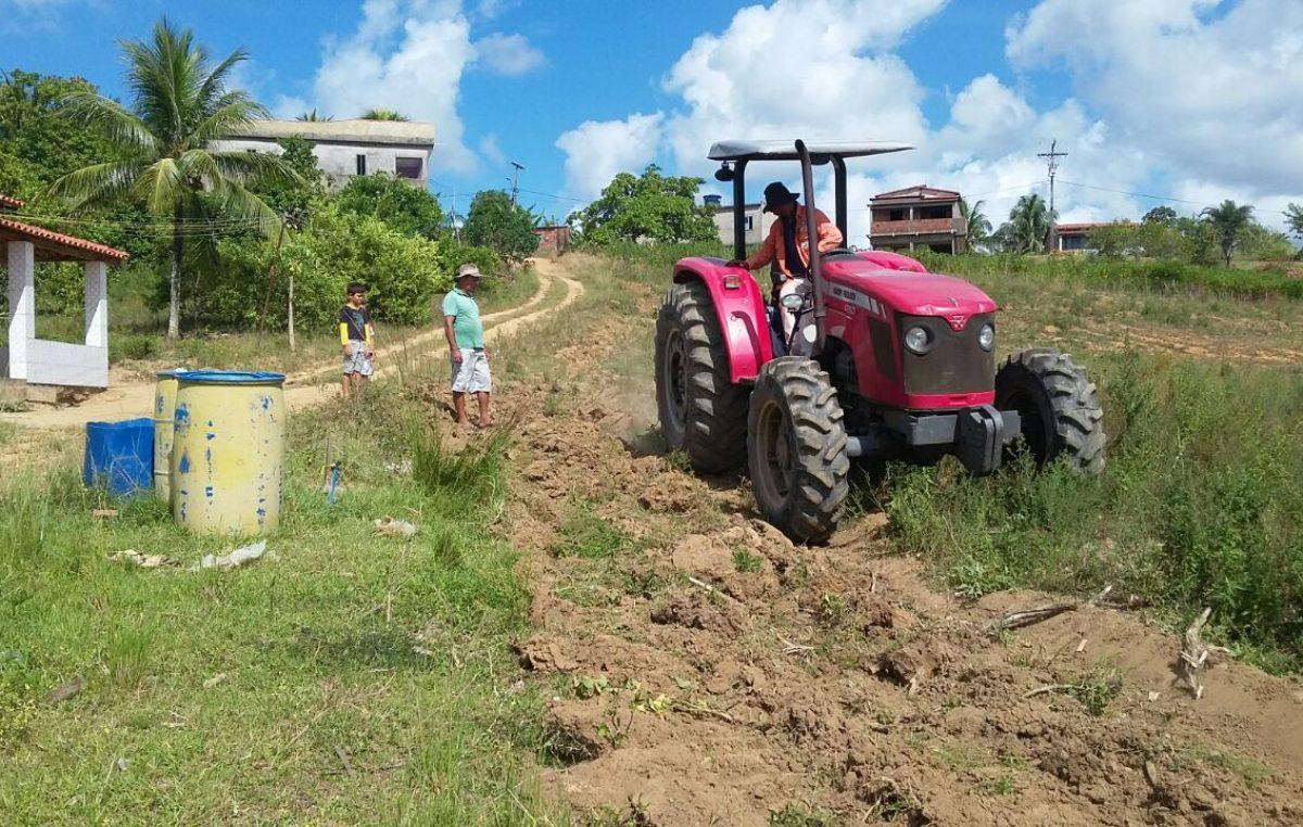 SEMAP realizou mecanização agrícola nos bairros da Muribeca e da Roseira