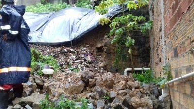 Defesa Civil registra deslizamento e desabamento durante chuva em São Francisco do Conde