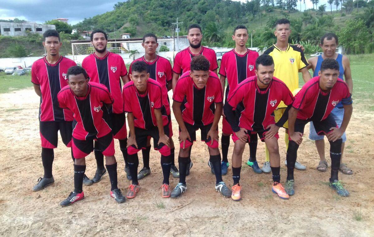 1ª Copa de Futebol de Campo do Poeirão segue a todo vapor no bairro da Muribeca