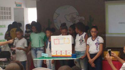 """""""Conferência na Escola"""" mobiliza estudantes franciscanos em torno de questões socioambientais relativas à importância da água"""