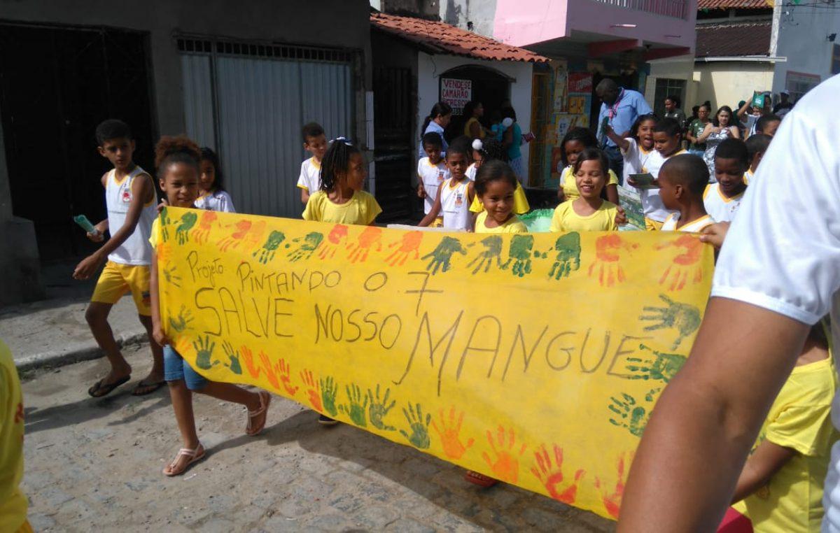 """SEMAP realizou ação em comemoração ao """"Dia Mundial de Proteção aos Manguezais"""""""