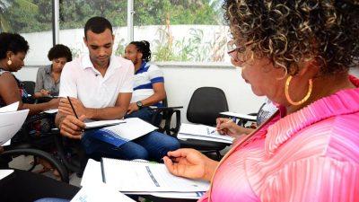 """Empreendedores franciscanos participaram da Oficina """"Sei Formar Preço"""" promovida pela Secretaria de Desenvolvimento Econômico"""
