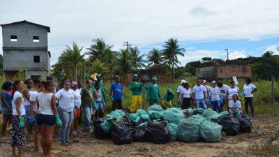 SEMAP: Ação de limpeza mobilizou moradores da Muribeca