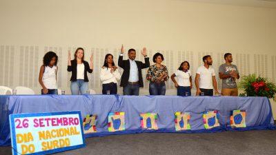 LIBRAS agora é a segunda língua oficial de São Francisco do Conde. A novidade foi anunciada durante o II Encontro de Surdo