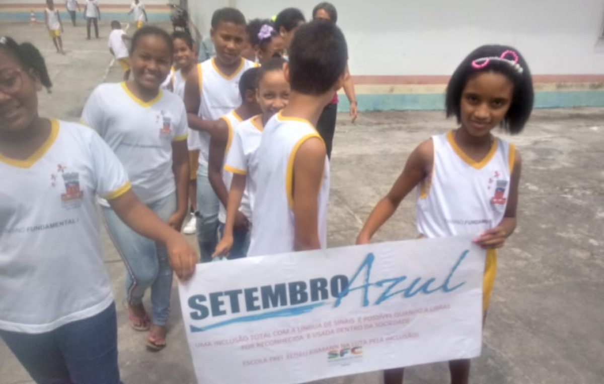 Escola Frei Eliseu Eismann promove ação de conscientização para o Setembro Azul