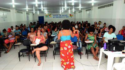Mais de 180 estudantes franciscanos lotaram na última segunda-feira (01) as aulas do Pré-ENEM